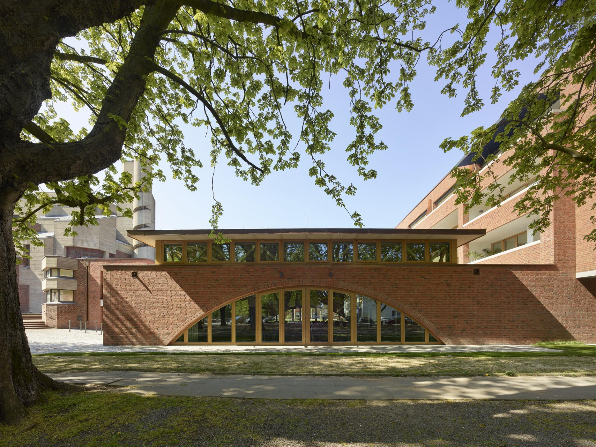 School Annex and Housing, Cologne-Lindenthal